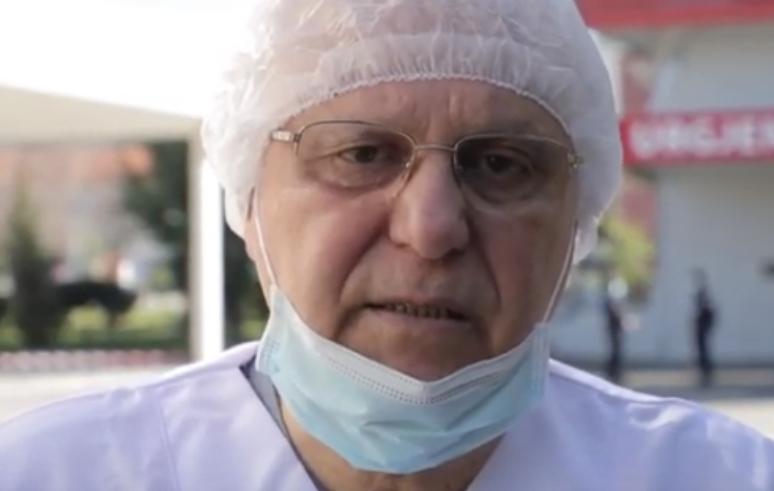"""Photo of """"Pandemia po përshpejtohet, ja ç'duhet të bëjmë tani"""". Mjeku Tritan Kalo ka një mesazh"""
